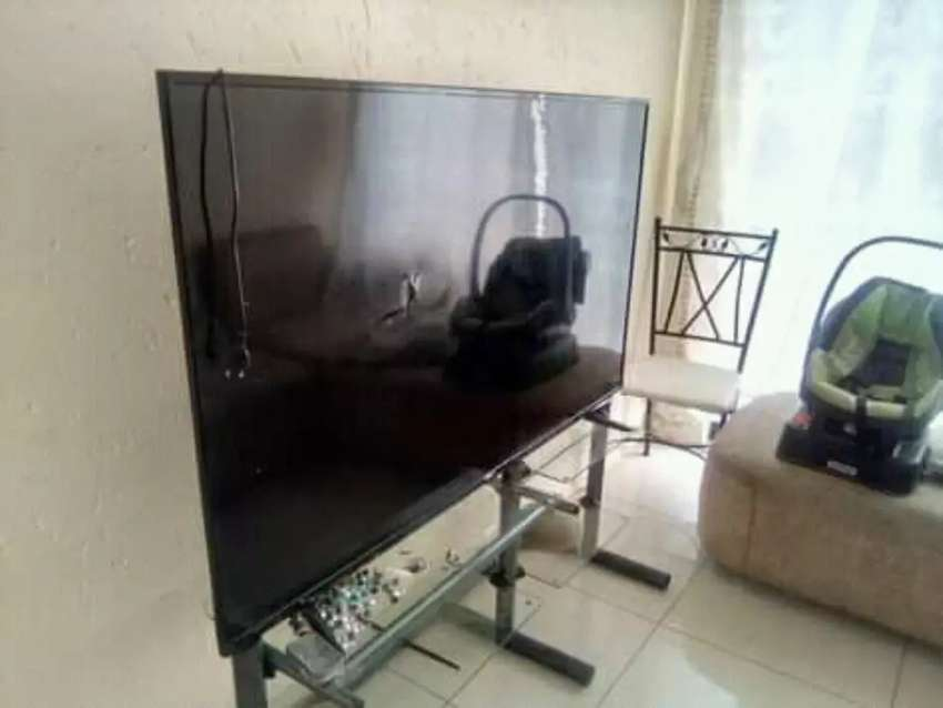"""Telefunken 65"""" Screen needs to be replaced No remote.Price negotiable"""