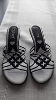 Sandałki klapki 39