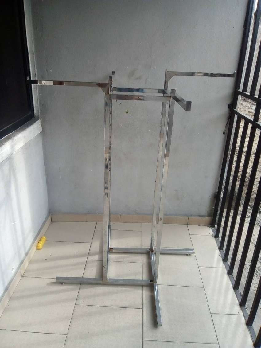 Boutique stand for sale 0