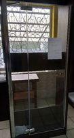 Wyprzedaż ekspozycji Aquaform drzwi wnękowe VERRA LINE 90/190 prawe