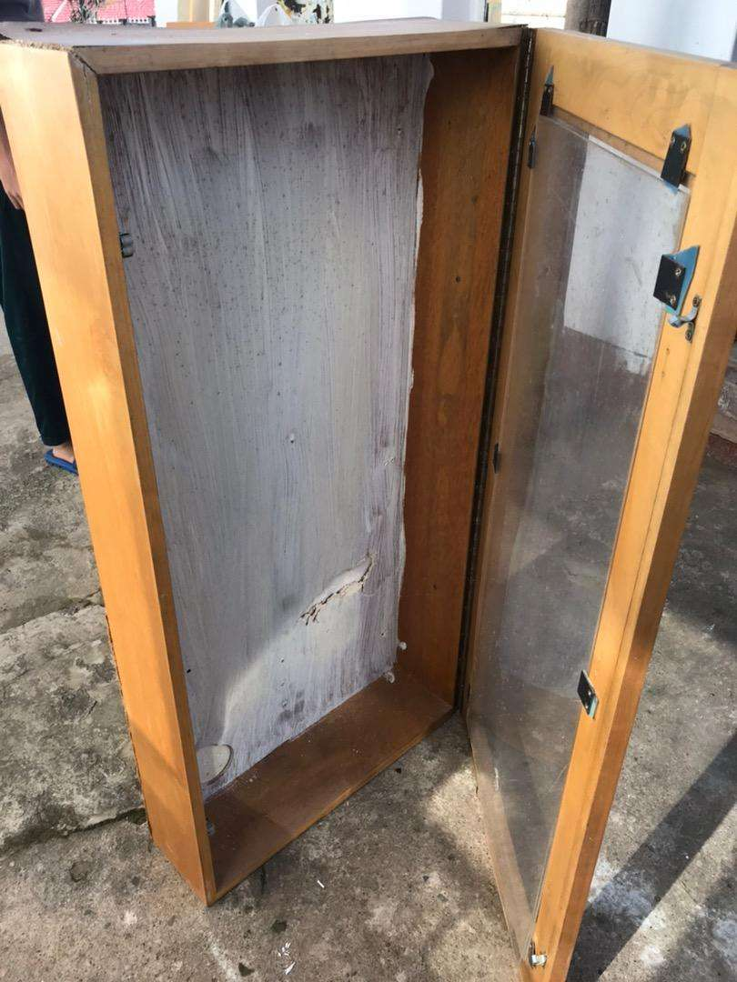 Glass cabinet for sale !! 0