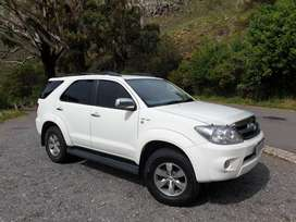 2008 Fortuner Toyota 4x4 AT 4.0 Petrol