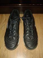 Продам футбольные бутсы/кроссовки Demix в хорошем состоянии 38р.
