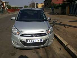 2016 hyundai i10 clean and service and papers up to date