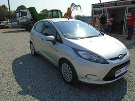 2013 ford fiesta 1.4 ambiente with 79000km