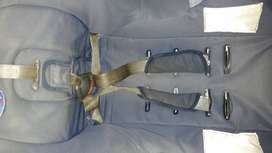 Chicco 0-18kg baby safety  car seat in good useable condition