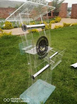 C Shape Crystal Clear Pulpits
