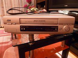 Продаю видеомагнитофон JVC