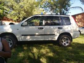 Selling good excellent well conditioned X-Trail