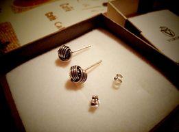 Серьги- гвоздики.Серебрянные.