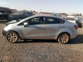 Kia rio sedan stripping for parts