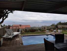 Luxurious Holiday Accommodation in an Exquisite House - Ballito