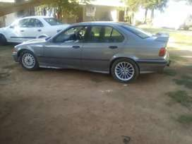 BMW 318is in driving condition