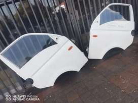 Hyundai h100 left and right door with glass