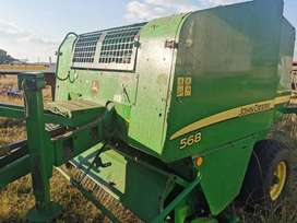 John Deere 568 fixed chamber silage special