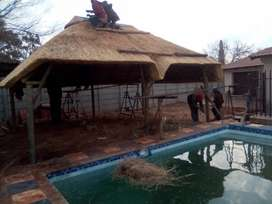 Thatching Lapa roofs