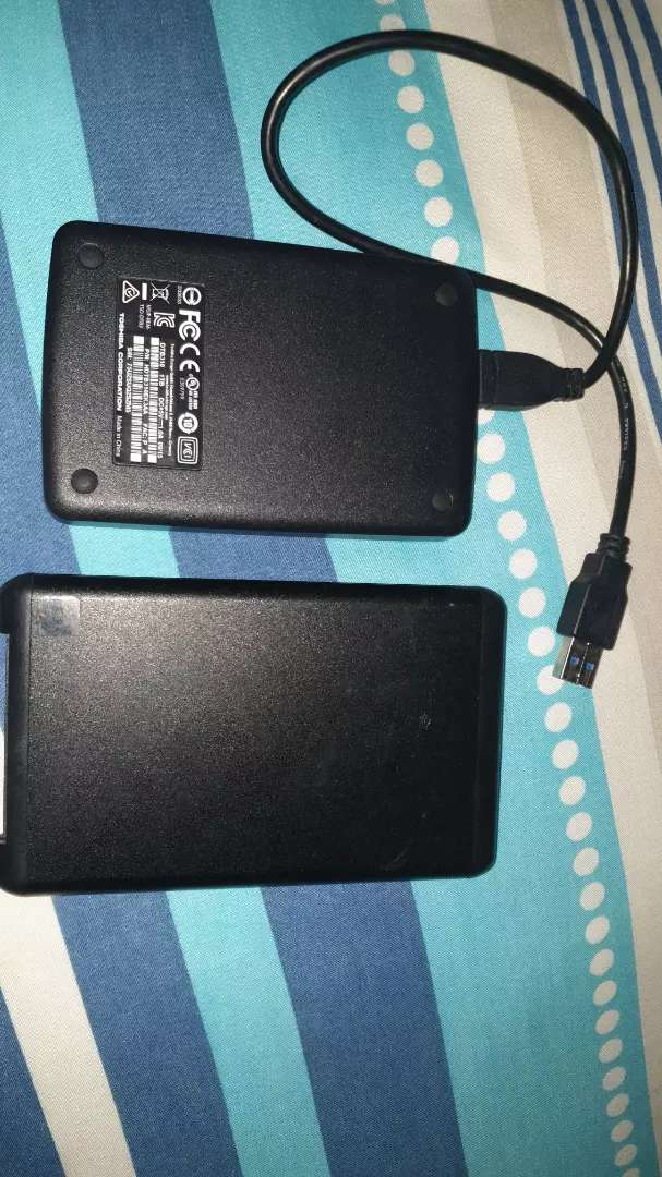 HARDDRIVE, X2 PRICE SECOND HAND R400 FOR BOTH 0