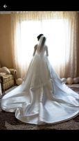 Продаю весільну сукню)