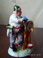 Фарфоровая статуэтка корчмарь