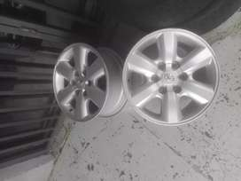 Toyota Hilux and Fortunar original alloy mags size 17+used tyres