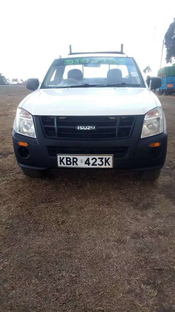Selling Isuzu d max petrol in good working condition. 0