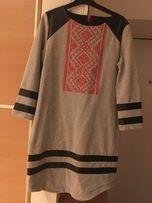 Модна сукня-вишиванка
