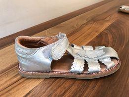 Sandały dziewczęce skórzane podeszwa guma bardzo wygodne! Polecam