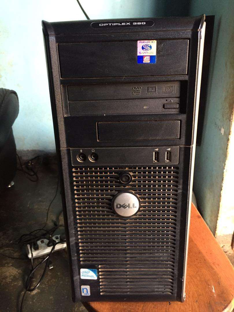 Dell optiplex 380 with in built speakers 0