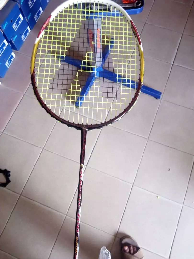 Badminton racket 0