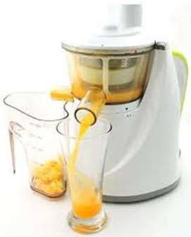 Hurom Slow masticating high quality juicing machine in excellent