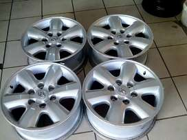 Toyota Hilux 17inch mags