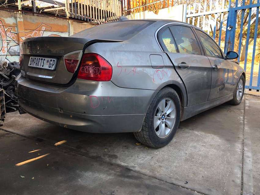 BMW 325i E90 Now stripping for parts 0