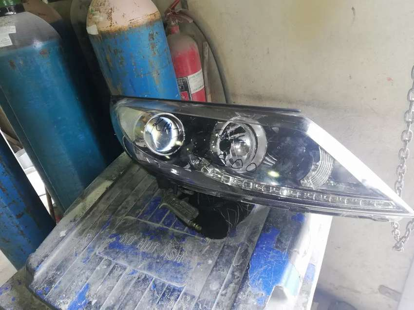 I'm selling a Kia sportage xenon headlight 0