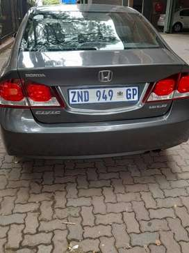 Honda civic 2010model Automatic in good condition