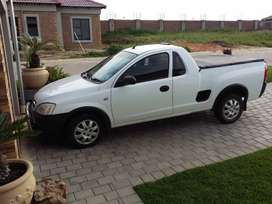 2009 Corsa bakkie 1700 dti for urgent sale