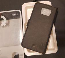 Pokrowiec na Samsung Galaxy S6 - czarny portfelik z klapką - XQISIT