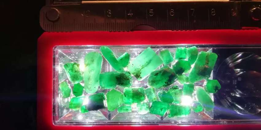 Raw Uncut Emeralds for sale 0