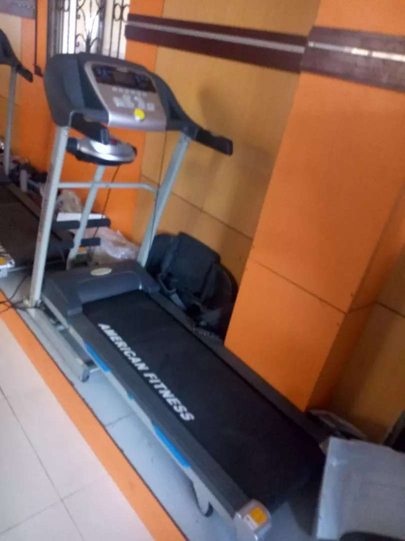 2hp American fitness treadmill 0