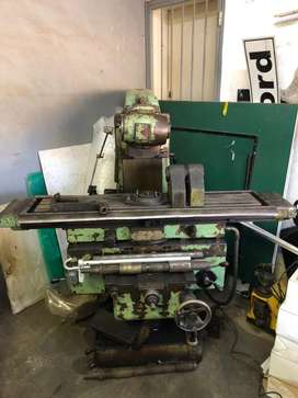 Milling machine TOS FA3AU