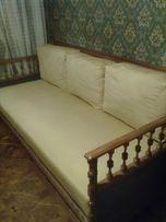 Софа (диван) с отделкой из натурального дерева (2 шт)