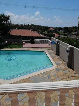 Bluff: Bright and Beautiful 3 bedroom house with swimming pool!!