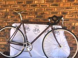 Vintage Road Bike - all original Fantastic Cond R4750