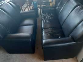 lounge suite for sale.R1800 or nearest cash offer.