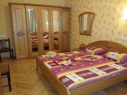 3-комнатная раздельная квартира 1 минута метро Дружбы Народов.