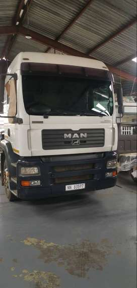 MAN truck and trailer evolution 27-440  in very good condition