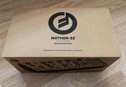 Moog Mother 32 - Syntezator + t-shirt Moog gratis