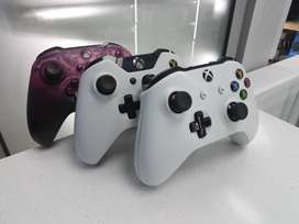 3 x Xbox 1 Controllers