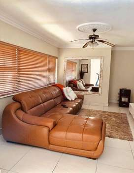 Leather 4-5 seater corner couch.