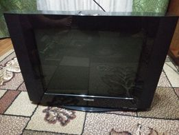 Телевизор 52 см диагональ в рабочем состоянии