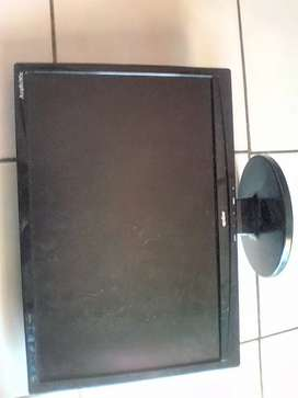 19 inch lcd screen selling as scrap parts